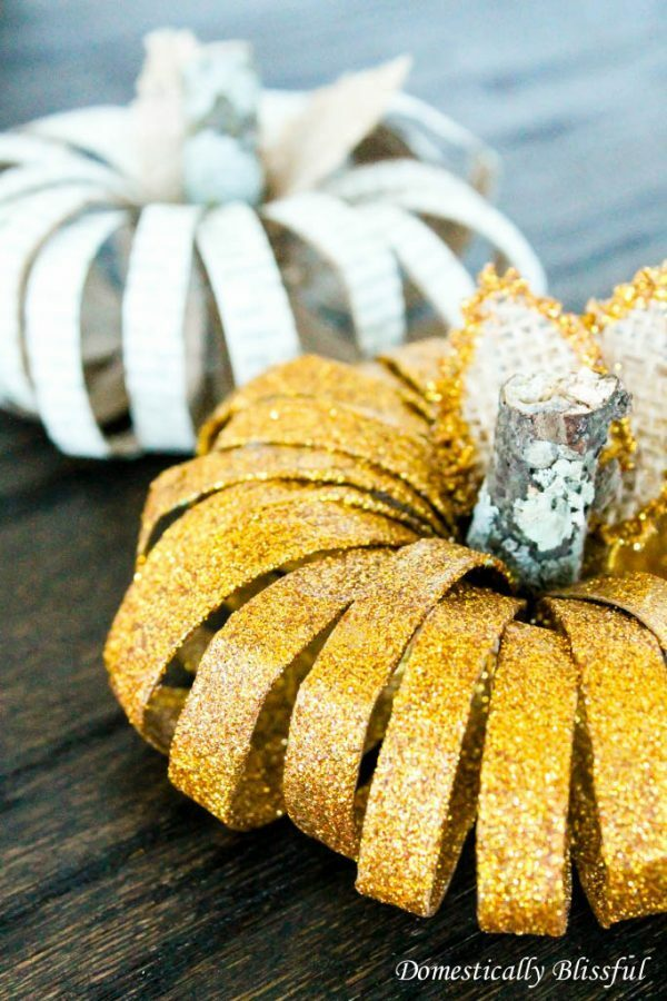 Fall decorations to make your home feel cozy. The Fall crafts are so easy to make.