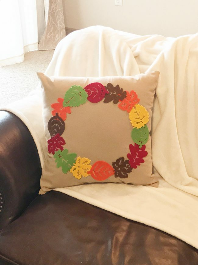 DIY Fall Accent Pillow With Felt Leaves